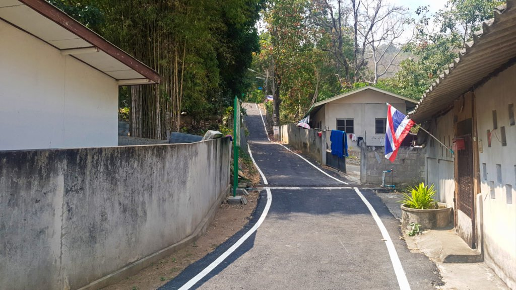 Unknown Road to Huay Kaew Waterfall