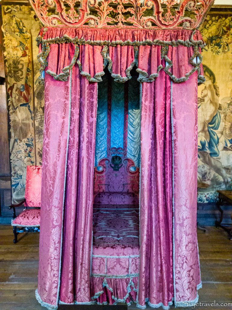 Holyrood Palace King's Bed